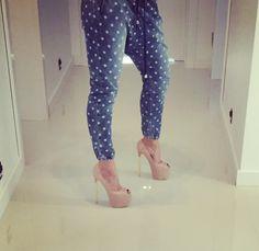 High heels e-shoes