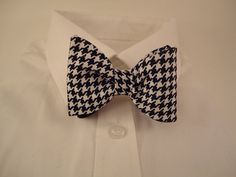Houndstooth bow tie by sewfairycute on Etsy, $22.99