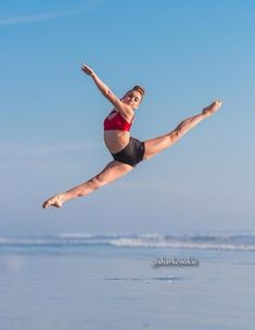 Amazing leap from Kalani from dance moms