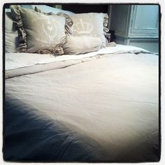 The Vintage Barn: This Ol' House Thursday...New Bed = New Bedding