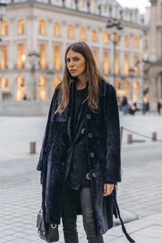 Maja Weyhe, membre de la ZV TRIBE au défilé Zadig&Voltaire Spring-Summer 20 Feminine Tomboy, Inspiring Things, Street Style, Winter Wardrobe, Spring Summer Fashion, Maya, Fashion Show, Fall Winter, Bomber Jacket