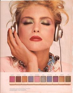 I totally remember this ad & how I tried to replicate her eye makeup . the were a beautiful thing! (Kim Alexis with colorful eye shadow palette) Vintage Makeup Ads, Retro Makeup, Vintage Beauty, Vintage Ads, Vintage Glamour, 1980 Makeup, Makeup Advertisement, Kim Alexis, 80s And 90s Fashion
