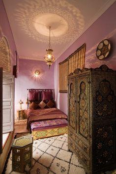 Style At Home, Design Marocain, Riad Marrakech, Moroccan Interiors, Moroccan Bedroom Decor, Purple Bohemian Bedroom, Bohemian Interior, Moroccan Theme, Bohemian Room
