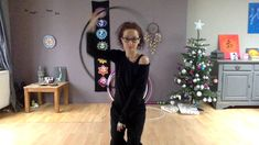 Sally Hoop's : 360° Body Hand spin. SLOW MOTION