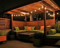 Awesome backyard hangout - make from pallet wood?