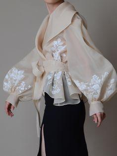 Fashion Details, Look Fashion, Fashion Goth, Latest Fashion, Crazy Fashion, Pet Fashion, Young Fashion, High End Fashion, Vogue Fashion