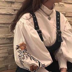 Aesthetic Fashion, Look Fashion, Aesthetic Clothes, Korean Fashion, Fashion Design, Witch Aesthetic, Beige Aesthetic, Muslim Fashion, 80s Fashion