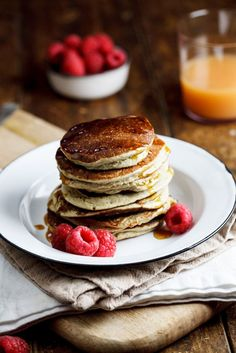 Healthy Banana Oat pancakes | simply-delicious-food.com