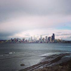 Seattle skyline. Prettiest one I've seen yet <3