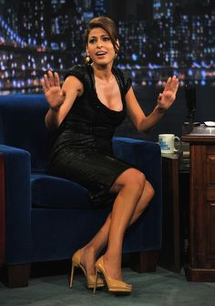"""Eva Mendes Photos Photos - Eva Mendes visits """"Late Night with Jimmy Fallon"""" at Rockefeller Center on April 29, 2011 in New York City. - Celebrities Visit """"Late Night With Jimmy Fallon"""" - Arpil 29, 2011"""