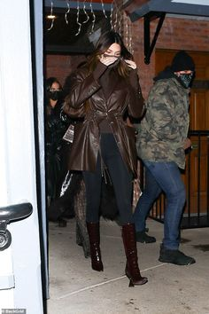 Kendall And Kylie Jenner, Kardashian Jenner, Fall Winter Outfits, Supermodels, Leather Jacket, Street Style, Dinner, December, Aspen Colorado