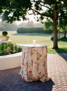 Like for the highboys to add some variation in linens. Maybe for outside Pattern Play with Floral Prints. Wedding Tablecloths, Wedding Table Linens, Wedding Reception Decorations, Reception Ideas, Rustic Wedding Details, Country Style Wedding, Cocktail Table Decor, Cocktail Tables, Autumn Wedding