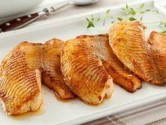 A Tilápia Assado no Forno fica deliciosa e é muito fácil de fazer. Surpreenda a sua família com essa receita simples, saudável e muito saborosa! Veja També