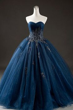 Elegant Navy Blue Tulle Sweetheart Neck Long Formal Prom Dress With Lace Applique, Shop plus-sized prom dresses for curvy figures and plus-size party dresses. Ball gowns for prom in plus sizes and short plus-sized prom dresses for Gold Prom Dresses, Ball Dresses, Homecoming Dresses, Evening Dresses, Navy Blue Quinceanera Dresses, Dark Blue Prom Dresses, Blue And Gold Dress, Blue Ball Gowns, Bridesmaid Gowns