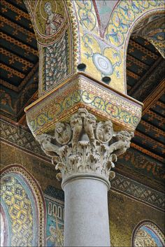 A close up view of the mosaic work on one of the interior columns of the Monreale Cathedral , Palermo -Sicily. Architecture Antique, Amazing Architecture, Art And Architecture, Architecture Details, Rome, Best Of Italy, Byzantine Art, Places In Italy, Sicily Italy