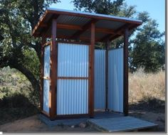 Outdoor shower stall - A Guide to Building and Outdoor Shower . Outdoor shower stall - A Guide to Building and Outdoor Shower Outside Toilet, Outdoor Toilet, Outdoor Tub, Outdoor Rooms, Outdoor Living, Bathroom Shower Organization, Bathroom Ideas, Restroom Ideas, Bathroom Designs