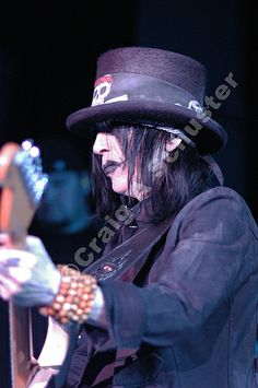 Never B4 Published #photo of #mickmars on the #motleycrue COS Tour from Chicago IL. 2005 — with Mick Mars and Motley Crue.