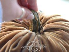 diy velvet pumpkins, crafts, seasonal holiday decor