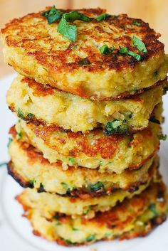 Spaghetti Squash, Quinoa and Parmesan Fritters. Just use veggie style parmesan to make these wonderful golden fritters. #fritters #squash