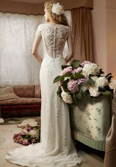 10 Tea Length Wedding Dresses Vintage - inspirations, colors and decoration The vintage trend has recently gained much popularity and indeed in various fields such as jewelry, home accessories and fashion.