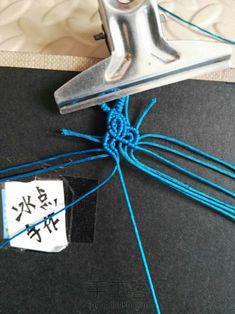 祥云-手工客官网 Clothes Hanger, Macrame, Diy, Coat Hanger, Bricolage, Clothes Hangers, Do It Yourself, Homemade, Clothes Racks