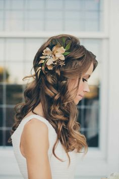 coole brautfrisur halboffen mit schmuck blume kleine wellen Bride Hairstyles, Trendy Hairstyles, Wedding Hairstyles For Long Hair, Curls For Long Hair, Thin Hair Updo, Long Hair Wedding Styles, Wedding Updo, Long Hair Styles, Trendy Wedding