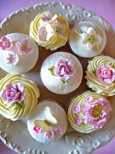 Summer blooms cupcakes | Flickr - Photo Sharing! Cup cake