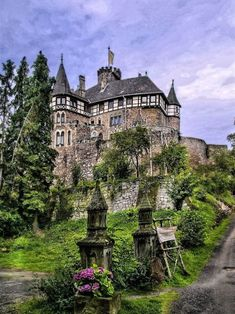 Berlepsch Castle, Hesse, Germany photo via steph