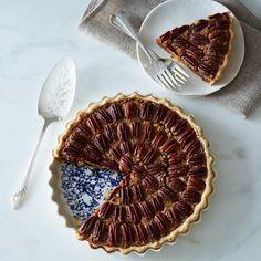 Pour la tourtière d'Annette Stoneware Pie Plate on Provisions by Food52