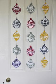 Original 5 Bauble lino printed Garland Each shape is hand carved out of a block of lino and individually printed in beautiful bright colours. Christmas Paper, Christmas Baubles, Christmas Design, Christmas Garlands, Christmas Patterns, Christmas Ornament, Lino Art, Art Business Cards, Stamp Carving