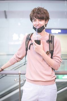 mi hermosisimo darren chen y por favor quiero conocerlo Meteor Garden Cast, Meteor Garden 2018, Pretty Men, Pretty Boys, Cute Boys, Asian Actors, Korean Actors, Pretty People, Beautiful People