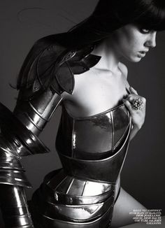 L'Officiel Paris September Armour Christian Dior Haute Couture by John Galliano, Fall 2006 collection Christian Dior, John Galliano, Joan D Arc, Costume Armour, Warrior Costume, Warrior Queen, Dior Couture, Costume Design, Character Inspiration