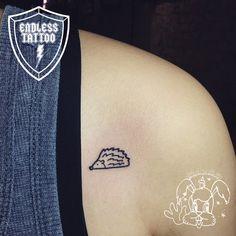tattoo by DEMI. 刺蝟 刺青.  small tattoo. illustration tattoo. hedgehog tattoo