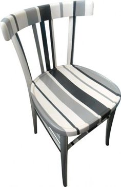 Gray painted chair Source by Hand Painted Chairs, Painted Stools, Funky Painted Furniture, Small Furniture, Distressed Furniture, Paint Furniture, Repurposed Furniture, Furniture Makeover, Old Wooden Chairs