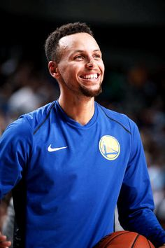 Stephen Curry of the Golden State Warriors reacts during a game against the Dallas Mavericks on October 23 2017 at the American Airlines Center in. Chino Hills Basketball, Fsu Basketball, Stephen Curry Basketball, Basketball Game Tickets, Girls Basketball Shoes, Basketball Players, Basketball Bedroom, Basketball Scoreboard, Basketball Skills