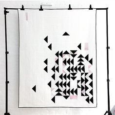 I'm so happy to see that @qvilted's quilt made it into QuiltCon! She's one of my quilting crushes. Check her out her work! Congrats Yara! #quiltcon #quilt #modernquilt