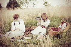 E-photo shoot - love the picnic concept.