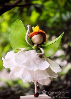 White Forest reina Doll, miniatura de hada verde, verde Angel muñeca, muñeca de pétalo de flor, Angel ornamento, ninguna muñeca cara