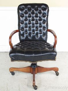 F22053 Leather Craft Black Tufted And Swivel Office Desk Chair