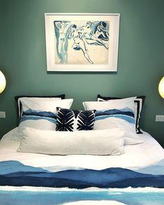 Carré Blanc (@carreblancparis) • Photos et vidéos Instagram Tapestry, Throw Pillows, Bed, Photos, Instagram, Home Decor, Bedding, Comforter Set, Spring