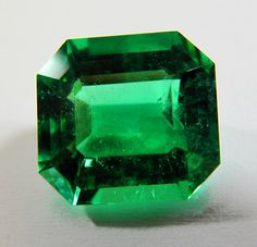 6.56CT FINEST NATURAL LOOSE COLOMBIAN EMERALD AAAA++ QUALITY 12.38x11.56mm http://amzn.to/2ryRgm9