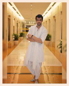 Classic #India #Lungi Wedding Kurta For Men, Wedding Dress Men, Modern Mens Fashion, Indian Men Fashion, Boy Fashion, Mens Traditional Wear, Traditional Outfits, Designer Suits For Men, Indian Designer Wear