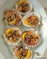 love the idea to serve seafood on shells for friends.