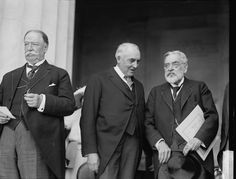 Former U.S. President William Howard Taft current President Warren G. Harding and Robert Lincoln (son of Abraham Lincoln) at the commemoration of the Lincoln Memorial. 1922. [49703776]