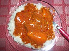 Recette du domoda à la viande, riz, tomate, viande, et un peu de farine pour épaissir la sauce.