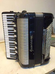 Piano Accordion, Stiletto Boots, Musical Instruments, Keyboard, Art Deco, Box, Music Instruments, Stuff Stuff, Musicals