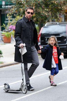 Especial shopping para el día del padre con padres famosos: Hugh Jackman