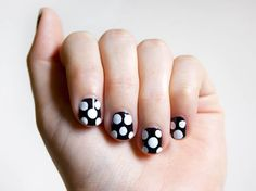 How to easily add polka dots on your nails