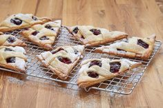 Berry Crostatas: Anna's handheld version of this rustic berry pie has a beautiful woven pastry top so you can see the fruit filling. Cheesecake Recipes, Dessert Recipes, Party Desserts, Food Network Recipes, Cooking Recipes, Pastry Recipes, Bread Recipes, Crostata Recipe, Best Summer Desserts
