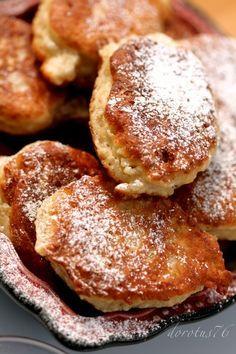 Racuchy drożdżowe (yeast fritters)